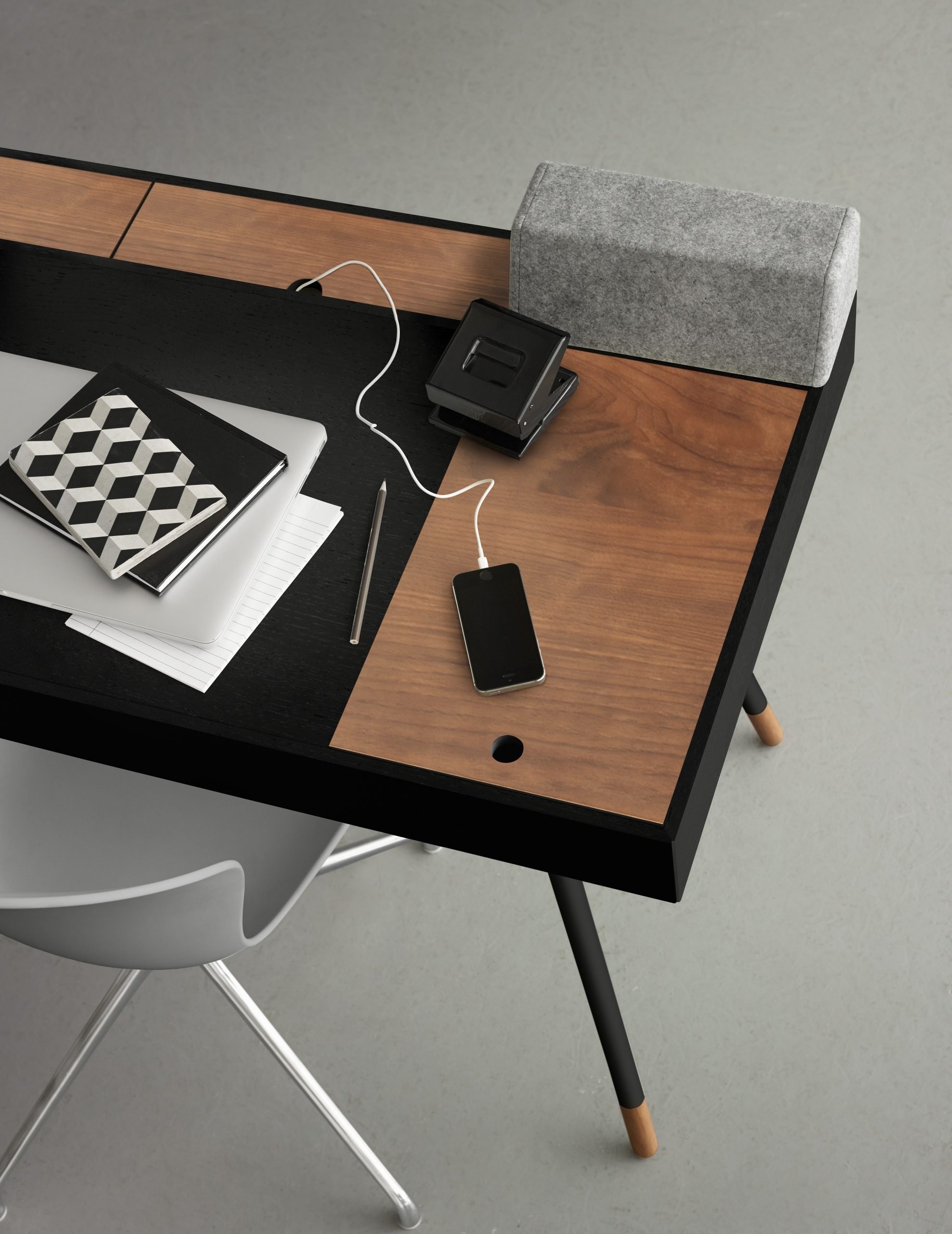 BoConcept Contract Desk with Smart Functionality